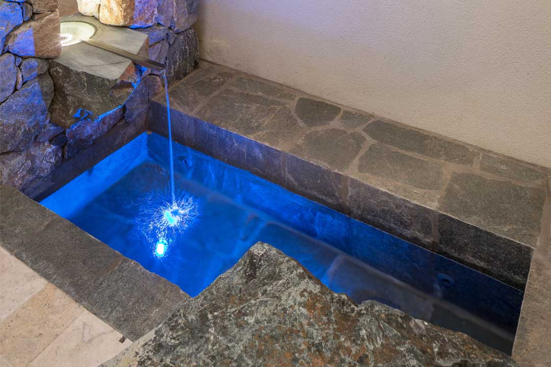 Water Feature - Silver